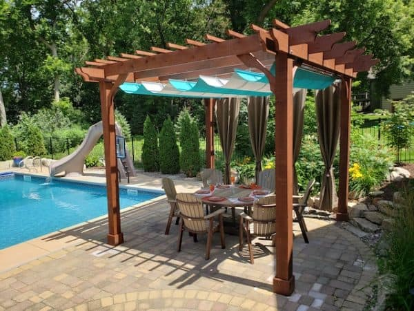 Sombrero 14×14 Freestanding Pergola with Retractable Canopy 640×480