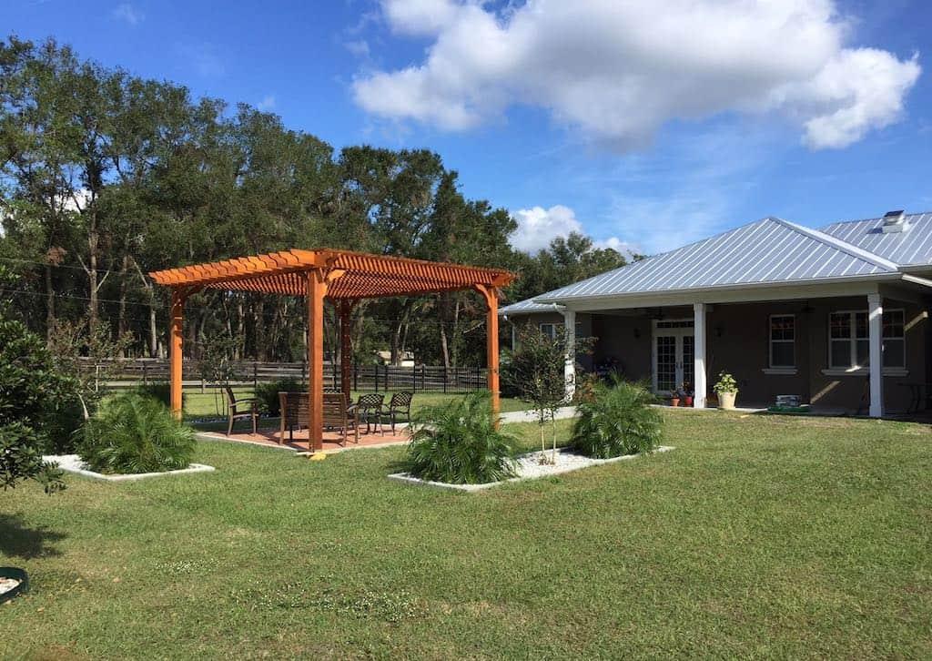 Freestanding 17x19 Cedar Freestanding Pergola – Big Kahuna